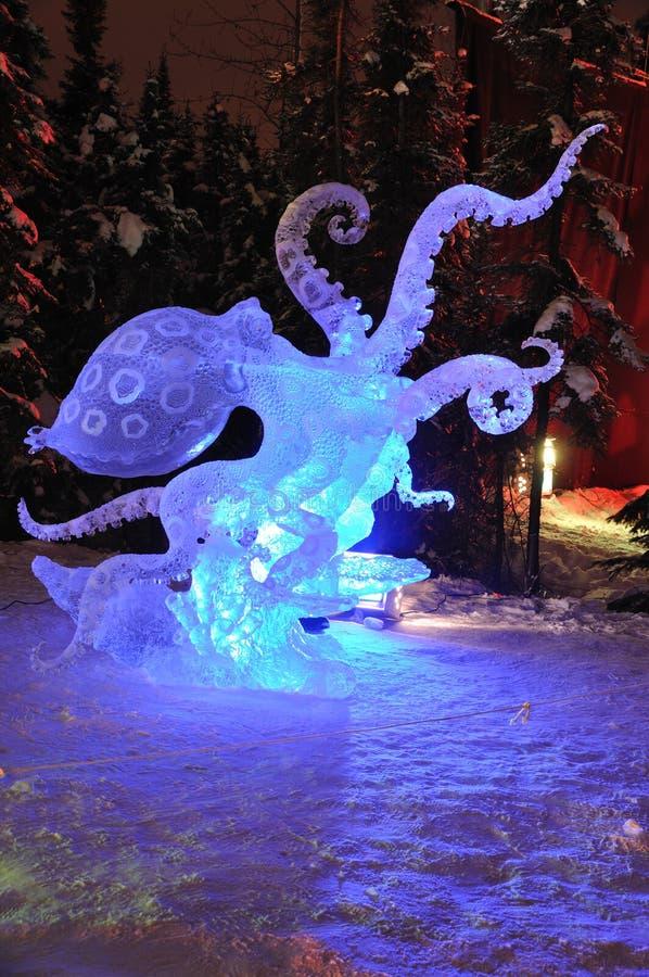 Het Beeldhouwwerk van het Ijs van de ?blauwe Octopus van de Ring? royalty-vrije stock afbeelding