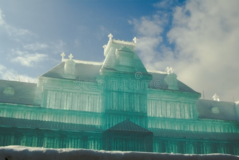 Het beeldhouwwerk van het ijs van de oude Sapporo Post Sapporo S stock afbeelding