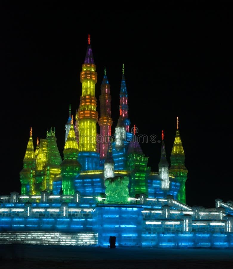 Het Beeldhouwwerk van het Ijs van het Kasteel van Harbin stock afbeelding