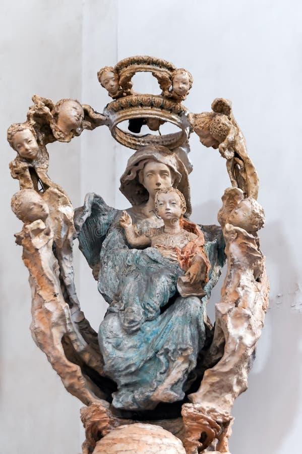Het beeldhouwwerk van Kerk van de Presentatie in Lviv, de Oekraïne stock foto
