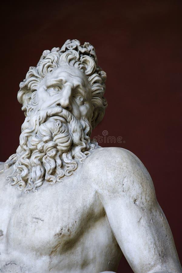 Het beeldhouwwerk van Tiber van de rivier in het Vatikaan. stock fotografie
