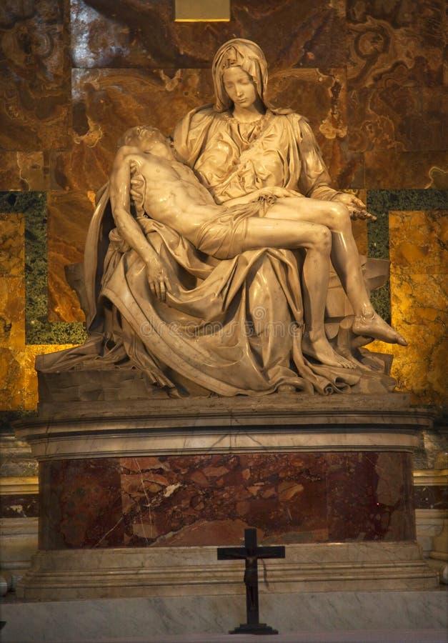 Het Beeldhouwwerk Vatikaan Rome Italië van Pieta van Michaelangelo royalty-vrije stock foto's