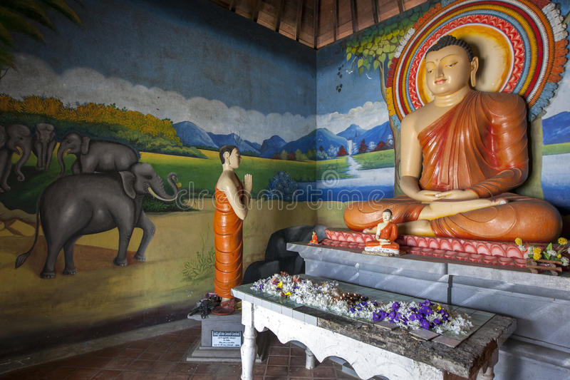 Het beeldhuis bij de Boeddhistische Tempel van Pidurangala in Sigiriya, Sri Lanka royalty-vrije stock fotografie