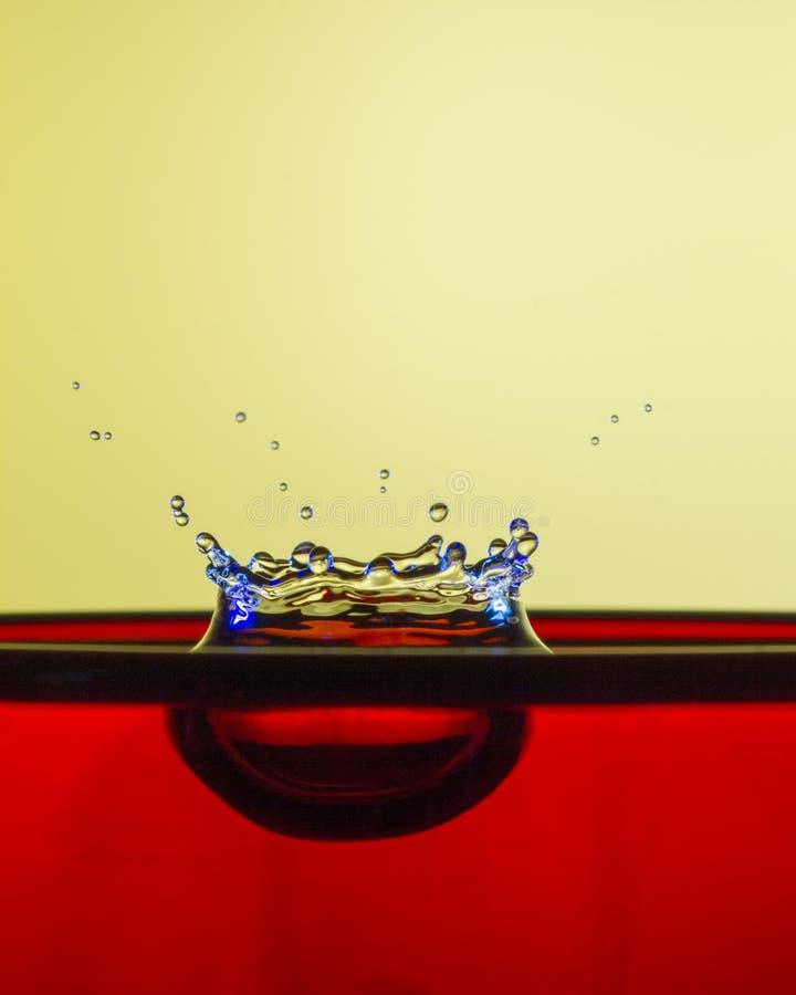 Het Begin van de Vorm van de Waterdaling - de Kroon royalty-vrije stock foto's