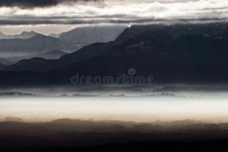 Het Beierse landschap van Alpen stock afbeelding