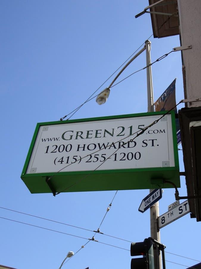 Het bekijken omhoog Groen teken 215 royalty-vrije stock foto