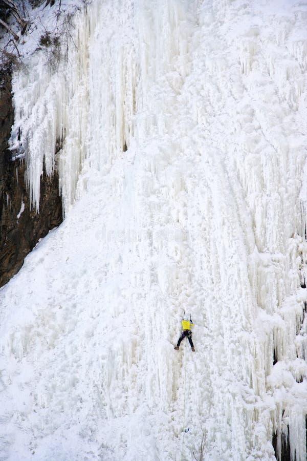 Het beklimmen van het ijs stock fotografie