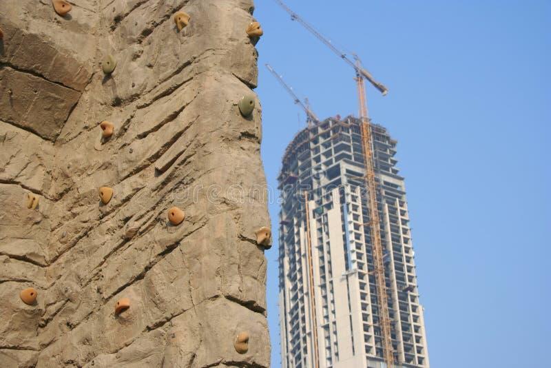 Download Het beklimmen van Muur stock foto. Afbeelding bestaande uit houvast - 297830