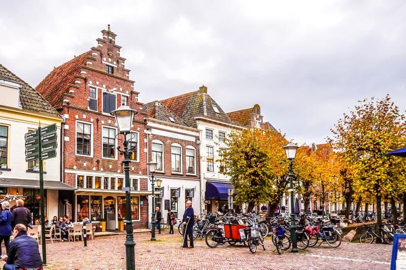 Het belangrijkste vierkant in het dorp van Elburg in het hart van Holland stock fotografie