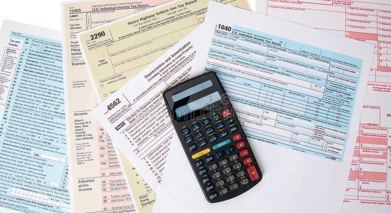 Het berekenen Belastingenvormen stock foto