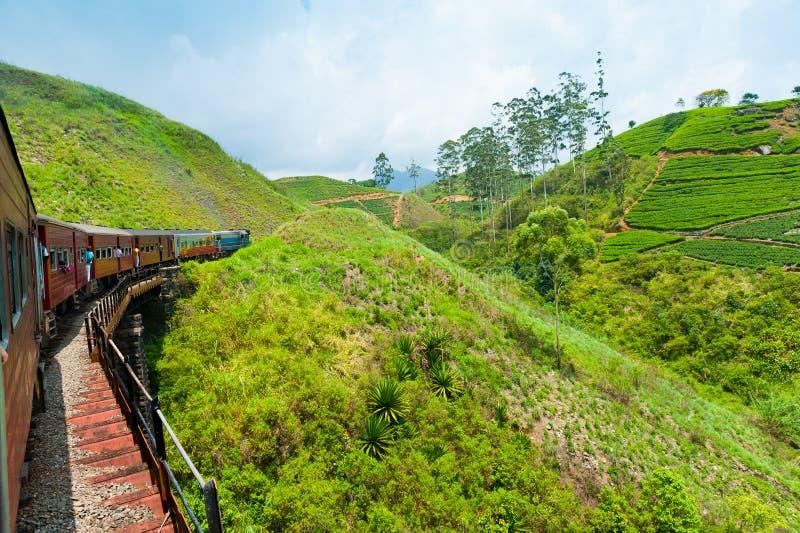 Het berijden door trein in Sri Lanka royalty-vrije stock afbeelding