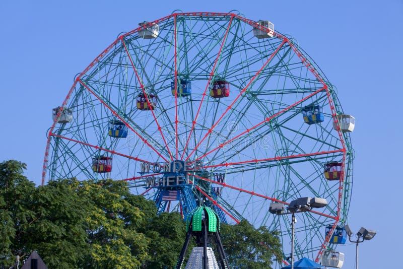Het beroemde oriëntatiepunt van Coney Island - Wonder Wiel Ferris Wheel royalty-vrije stock foto