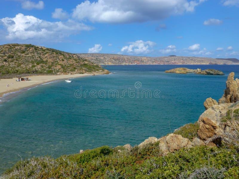 Het beroemde strand van Vai van datapalmen met wit zand en heel wat schaduw op het eiland van Kreta, Griekenland stock fotografie