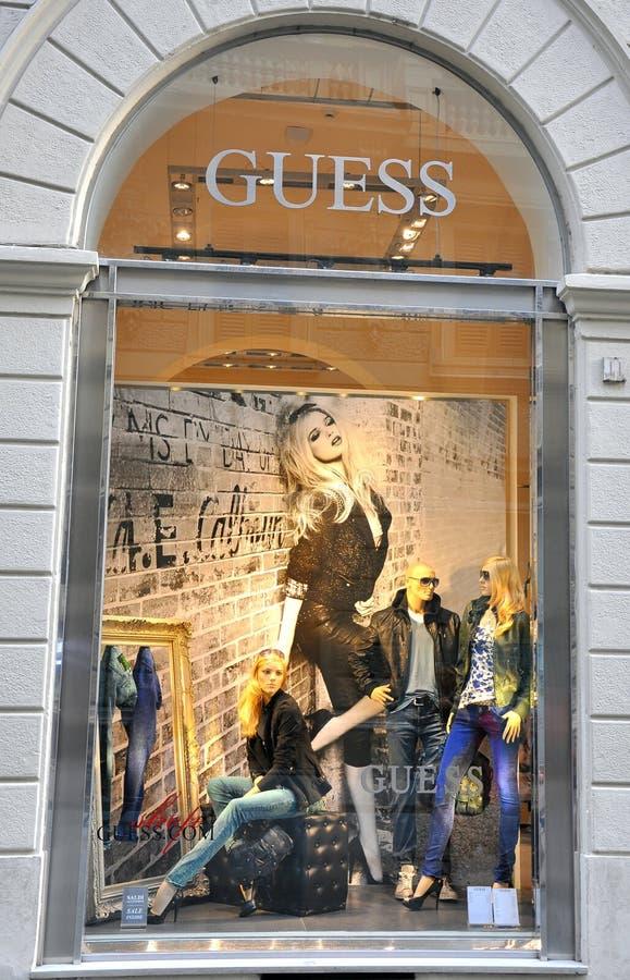 Het beroemde venster van de merkwinkel stock foto's