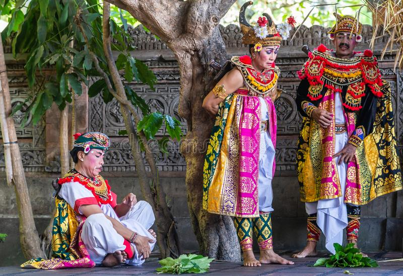 Het beslissen het lot van Koningin bij de Dansstudio van Sahadewa Barong in Banjar Gelulung, Bali Indonesi? royalty-vrije stock foto