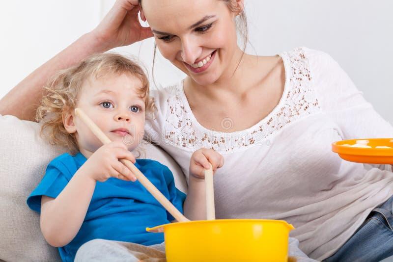 Het besteden van de moeder en van de baby tijd samen royalty-vrije stock foto's