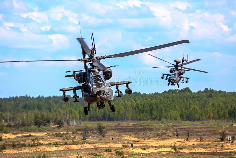 Het bestrijden van helikopter in militaire opleiding Saber Strike in Letland royalty-vrije stock afbeeldingen