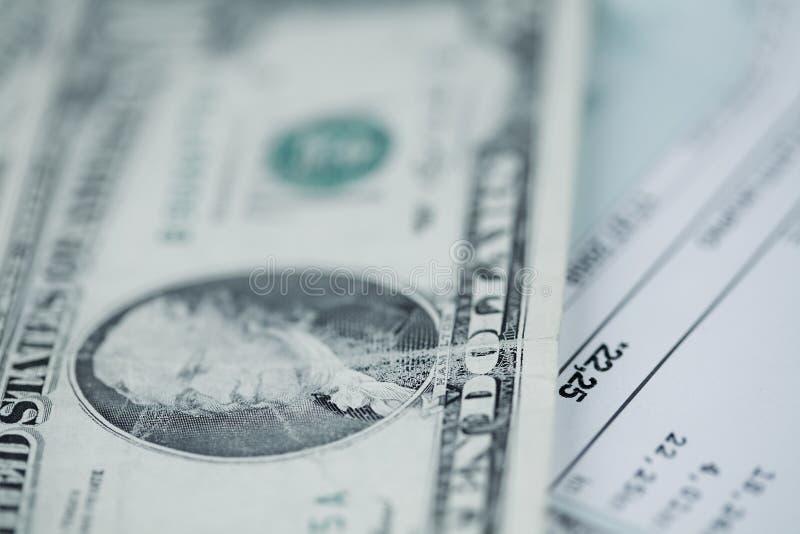 Het betalen van rekeningen stock foto