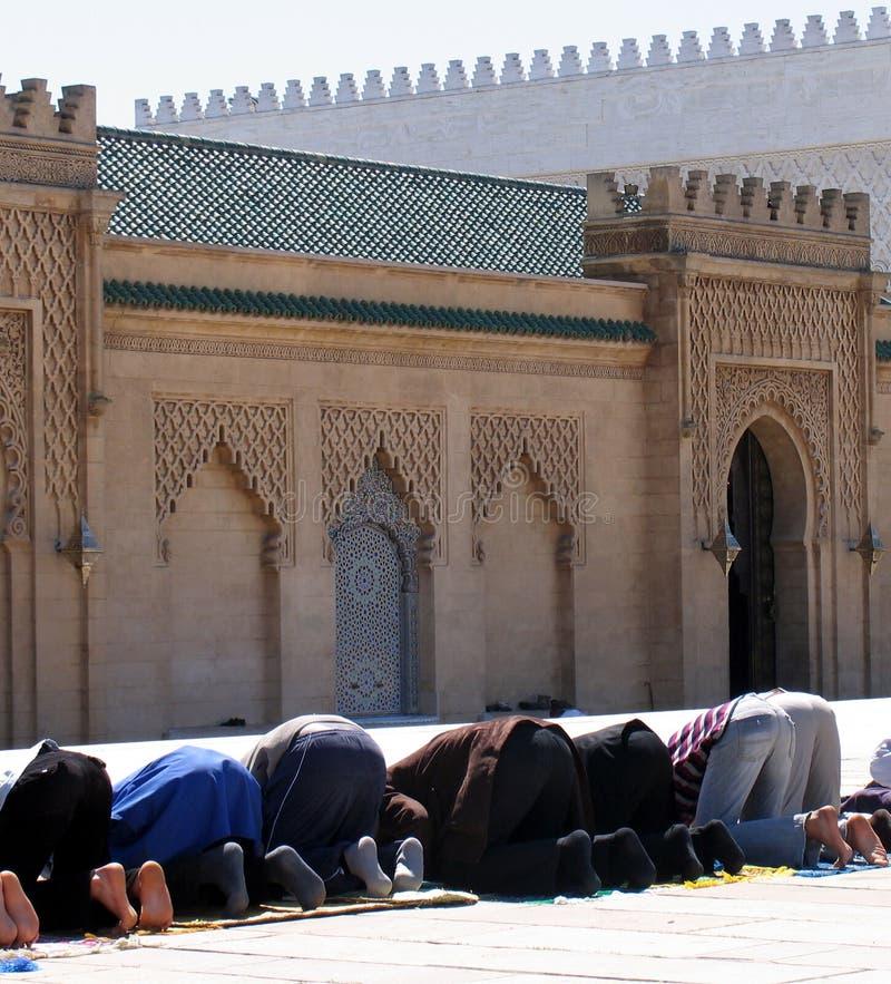 Het bidden van moslims stock foto