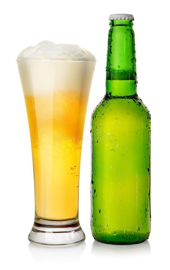 Het bier van de fles en van de mok royalty-vrije stock foto