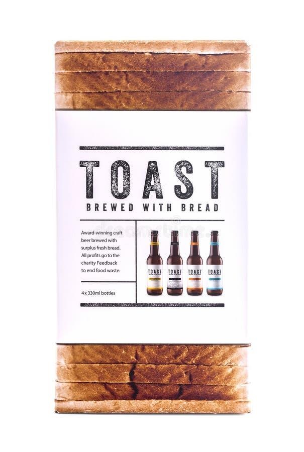 Het bier van de toostambacht, met surplus vers brood dat wordt gebrouwen stock fotografie