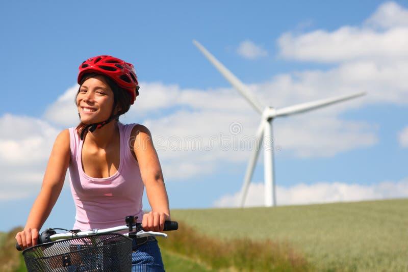 Het biking van de vrouw stock afbeelding