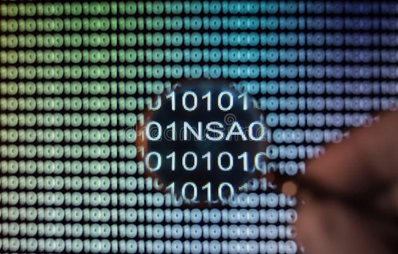 Het binaire codescherm stock afbeeldingen