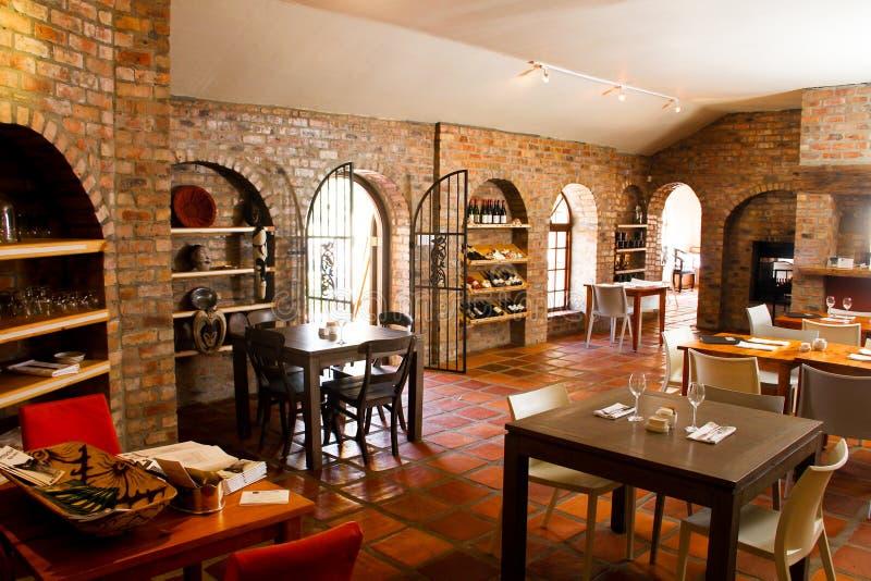 Het binnenland van Bistro van het restaurant stock fotografie