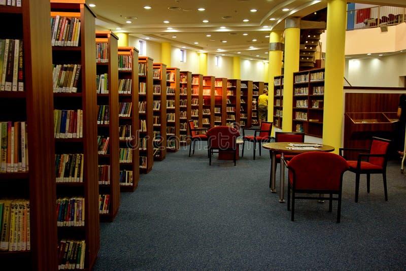 Het binnenland van de bibliotheek royalty-vrije stock foto