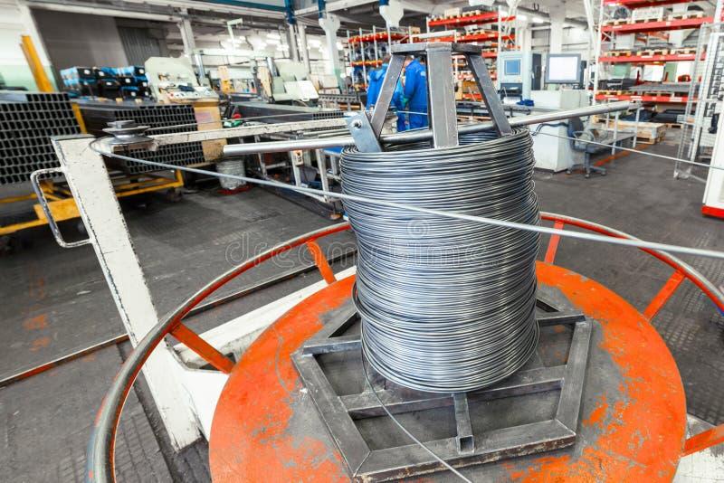 Het binnenland van de metaalbewerkende winkel Moderne industriële onderneming stock fotografie