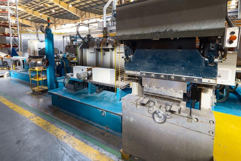 Het binnenland van de metaalbewerkende winkel Moderne industriële onderneming royalty-vrije stock foto