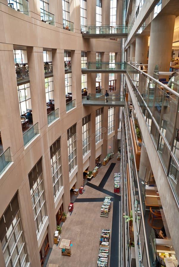 Het binnenland van de Openbare Bibliotheek van Vancouver stock foto's