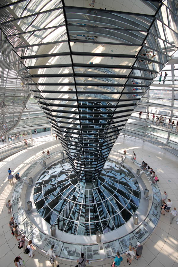 Het Binnenland van de Reichstagkoepel royalty-vrije stock foto's