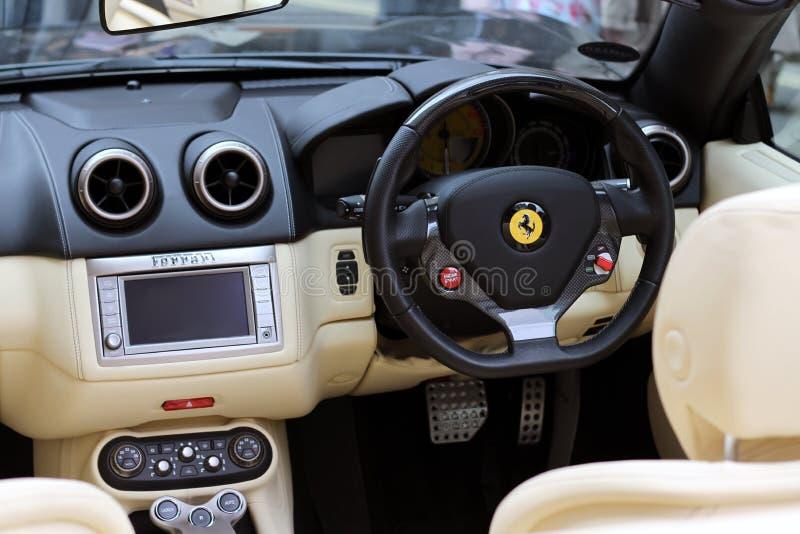 Het Binnenland van de Sportwagen van Ferrari stock fotografie