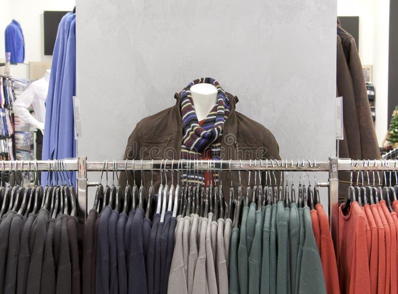 Het binnenland van de winkel met ledenpop stock fotografie