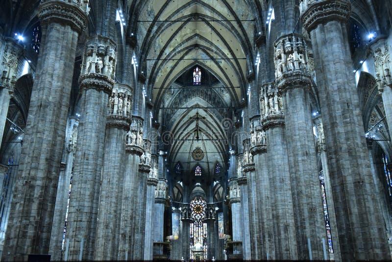 Het binnenland van Duomo, Milaan, royalty-vrije stock foto