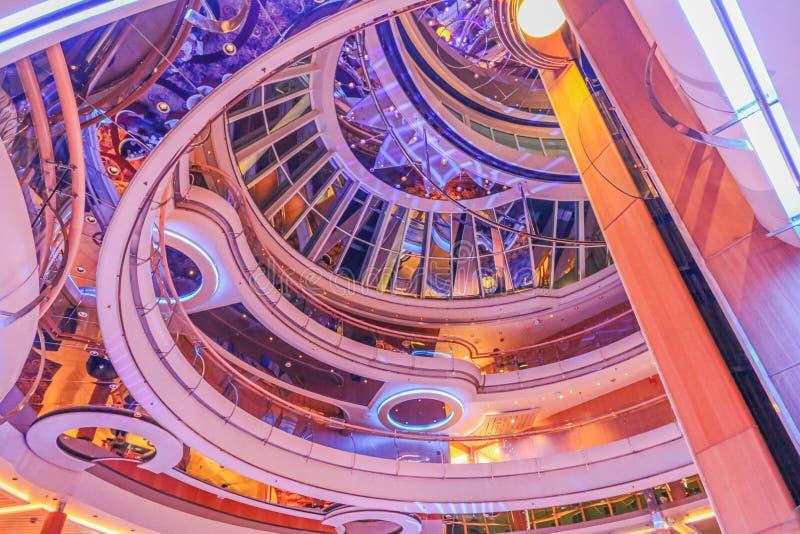 Het binnenland van het cruiseschip stock afbeeldingen