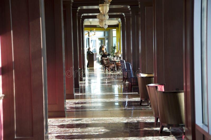 Het binnenland van het luxerestaurant in een hotel stock foto