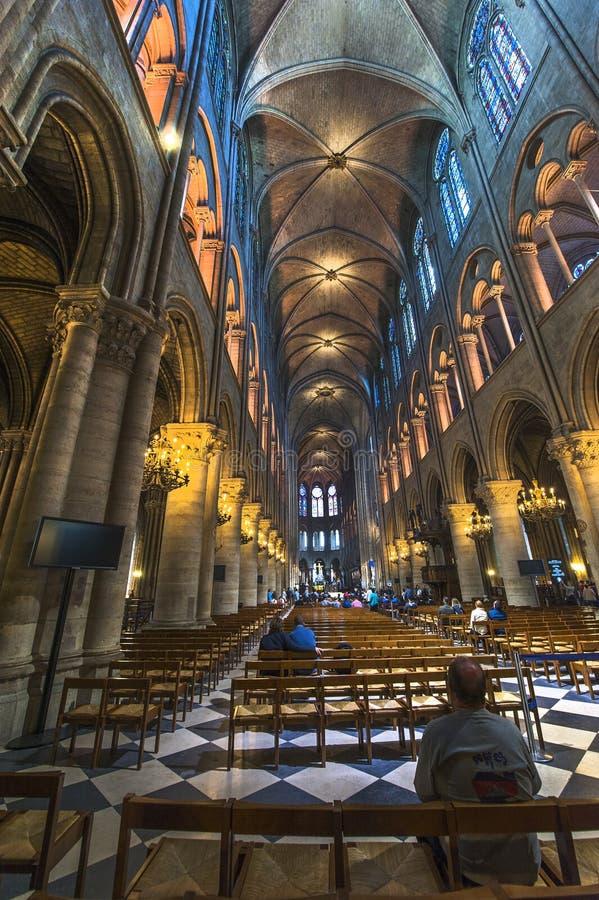 Het Binnenland van het Notre Dame de Paris royalty-vrije stock fotografie