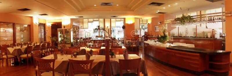 Het binnenland van het restaurant stock afbeelding