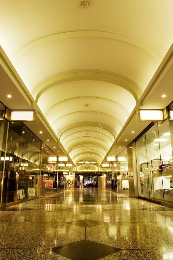 Het binnenland van het winkelcomplex royalty-vrije stock foto