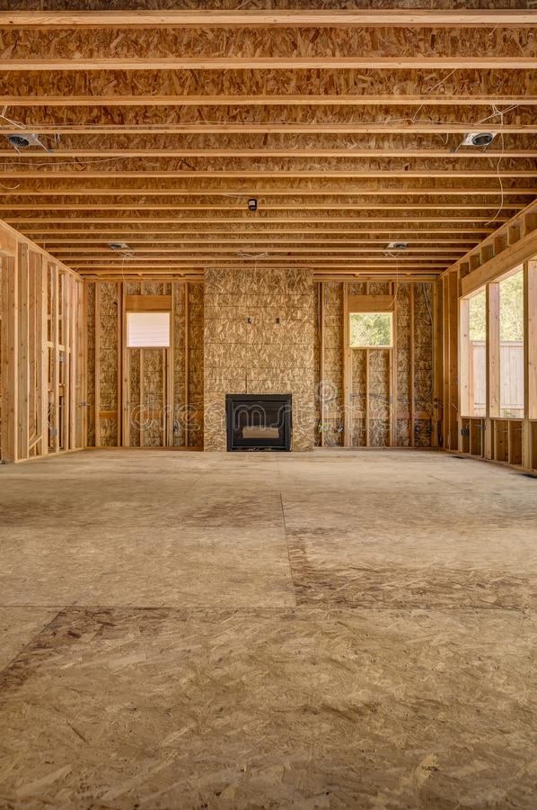 Het binnenlandse houten nieuwe huis van de kaderbouw royalty-vrije stock afbeelding