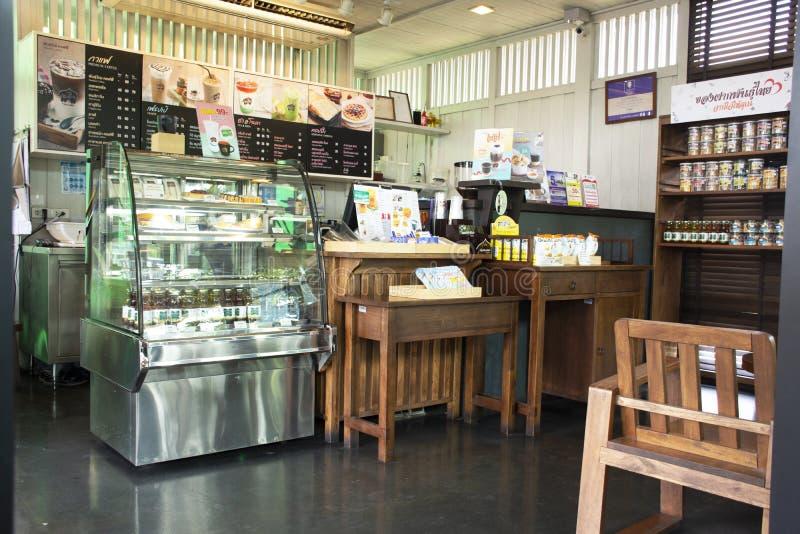 Het binnenlandse ontwerp en decormeubilair van koffiewinkel en restaurant voor mensenbezoek eet en dranken in Saraburi, Thailand stock fotografie