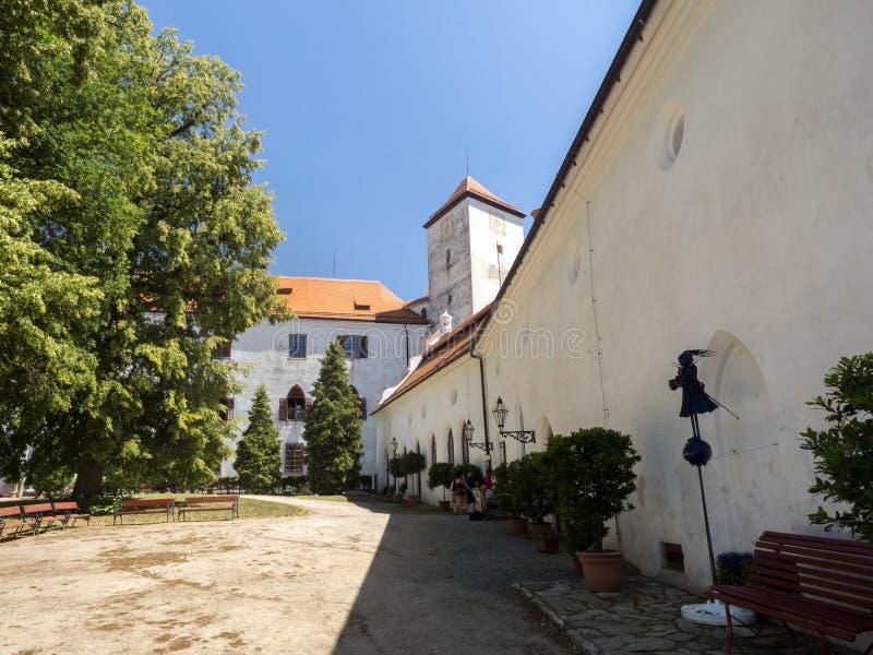 Het Bitovkasteel van 1061 is een cultureel monument, de Tsjechische Republiek stock afbeelding