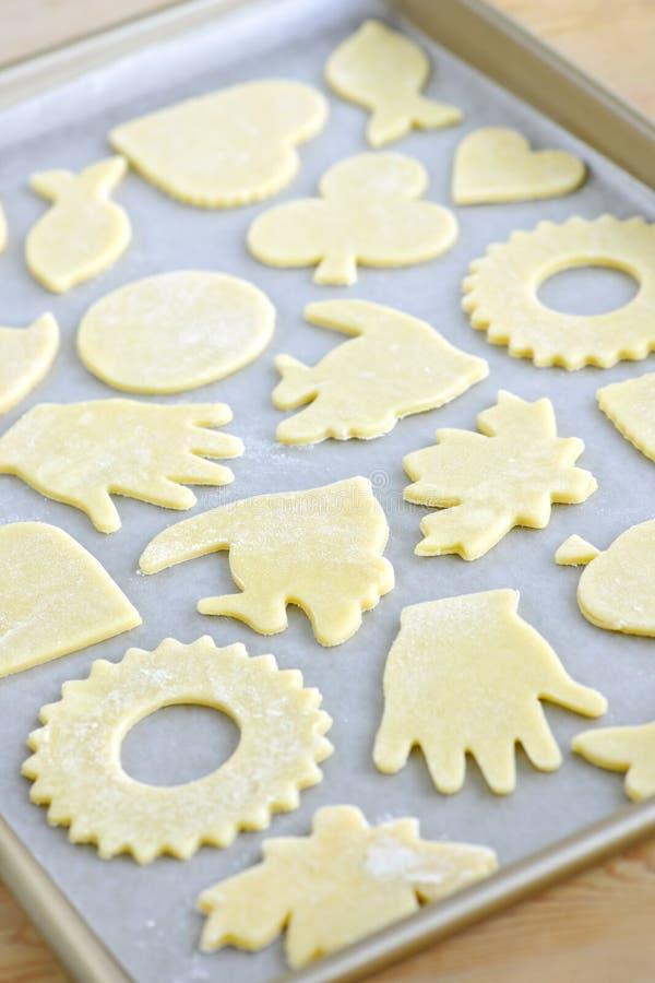 Het blad van het baksel met koekjes stock afbeeldingen