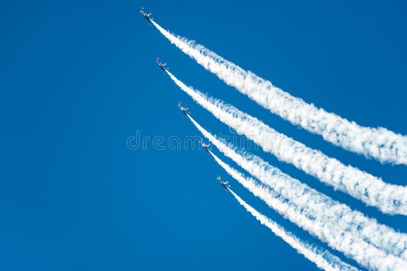 Het blauwe de Demonstratie van de Engelenvlucht Uitgaan royalty-vrije stock afbeelding