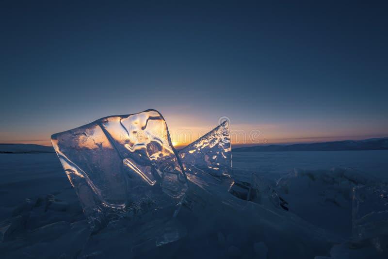 Het blauwe ijs van Meer de Baykal, Rusland royalty-vrije stock afbeeldingen