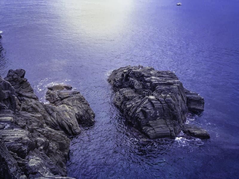 Het blauwe overzees royalty-vrije stock afbeeldingen