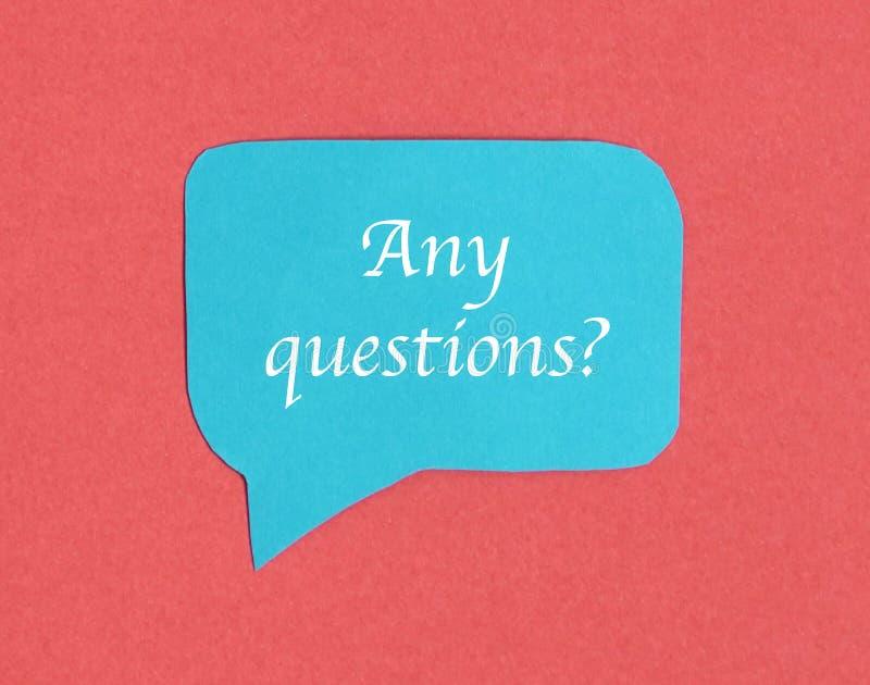 Het blauwe pictogram van de praatjetoespraak: een symbool en een concept voor het spreken en bericht stock foto
