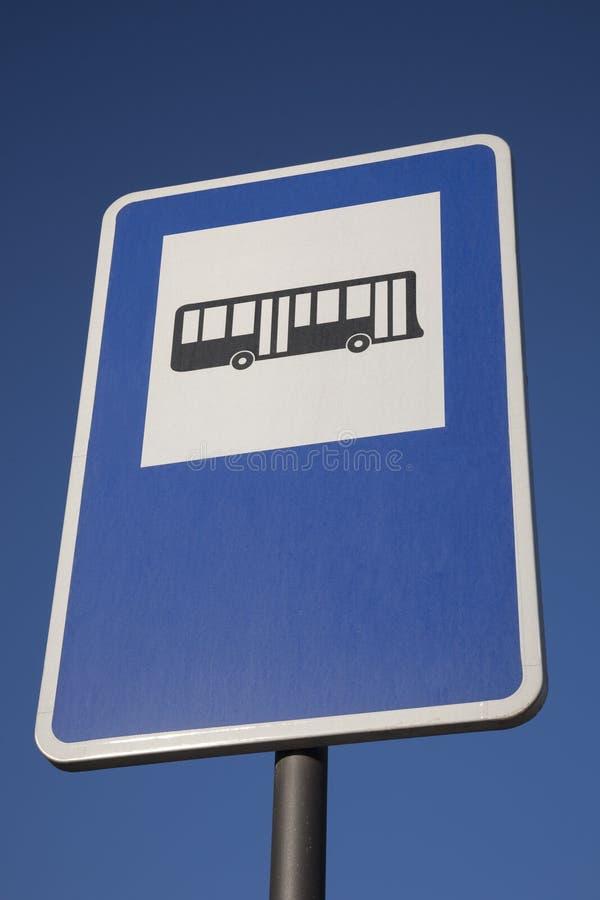 Het blauwe Teken van de Bushalte stock afbeeldingen